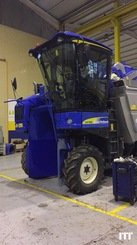 Grape harvesting machine New Holland VX7090 - 1